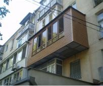 Закрытый балкон с выносом