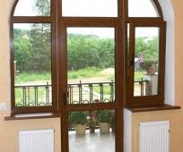 Оригинальный дизайн дверного проема на балкон