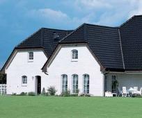 Высокая полувальмовая крыша с мансардой