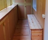 Шкаф и тумба на балконе