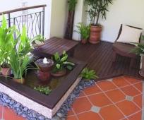 Оригинальная мебель для отдыха на балконе