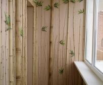 Декоративная отделка лоджии гипсокартоном и деревом