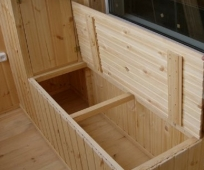 Деревянный овощной ящик для установки на балкон