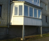 Пристройка балкона на опорных стойках