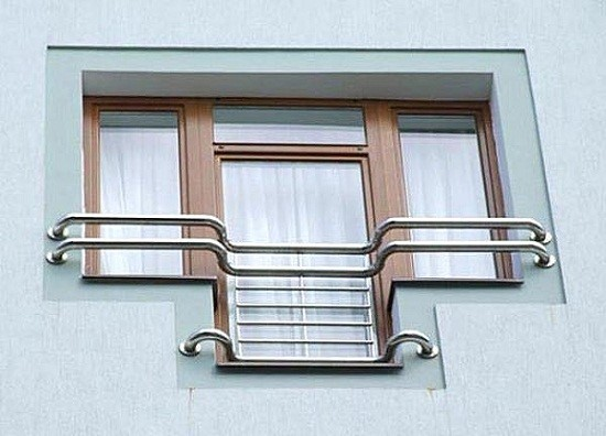Французский балкон в современном стиле
