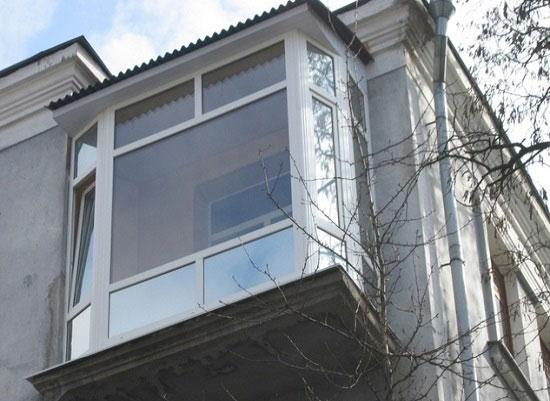 Балкон с зависимой крышей