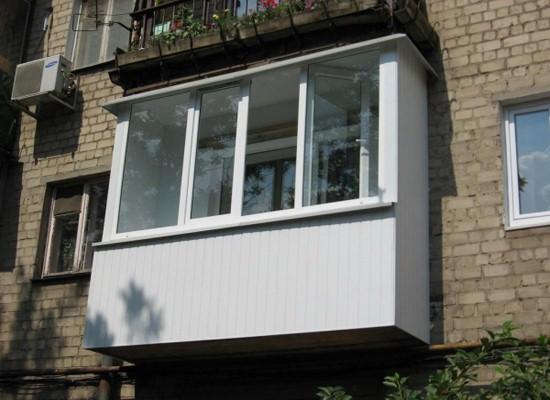 Вагонка в отделке балкона