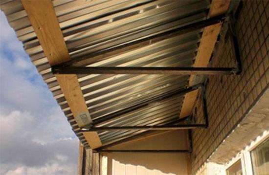 Устройство независимой крыши балкона