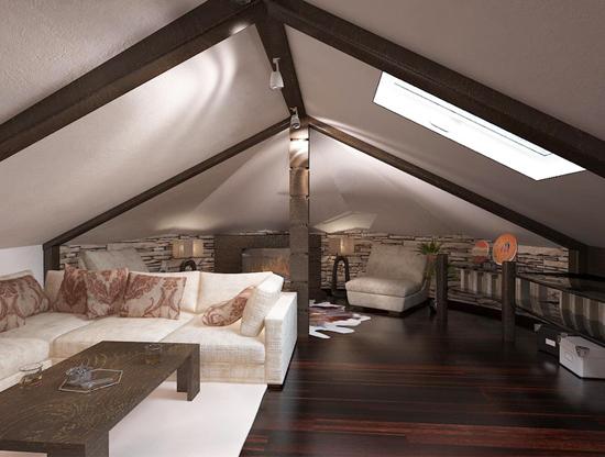 Большая гостиная с комплектом мягкой мебели на жилой мансарде