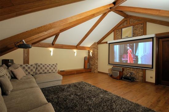 Идея использования помещения жилой мансарды под домашний кинотеатр