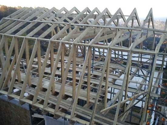 Конструкция стропильной системы мансарды под ломаной крышей