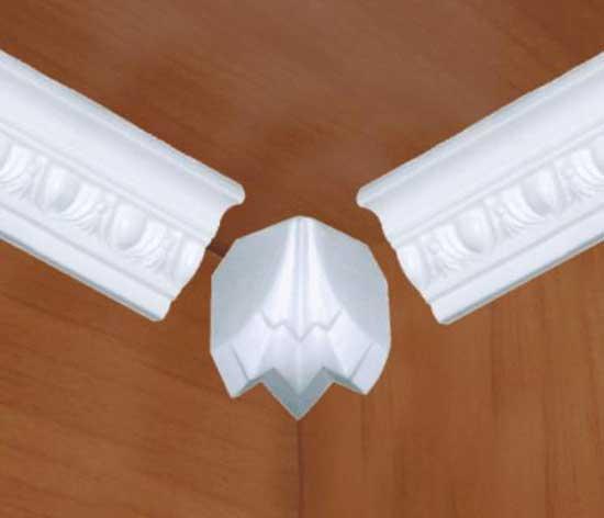 Декоративный уголок для оформления стыка планок полиуретанового плинтуса