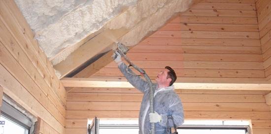 Процесс утепления крыши мансарды пенополиуретаном