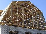 Деревянная стропильная система мансардной крыши